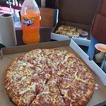 Фотография Canadian Pizza Unlimited