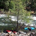 """Der Gebirgsfluss """"Merced River"""""""