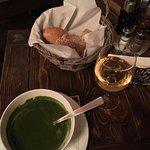 Суп из шпината с орехами