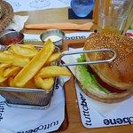 Bilde fra Tutto Bene Pizzeria & Fast Food, Burger Bar - Lapad Bay