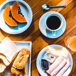 Café da manhã - Tao Bar e Pousada - Búzios