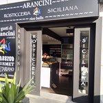 ภาพถ่ายของ Arancini Rosticceria Siciliana