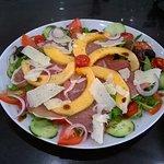 La suggestion du moment...la salade fraîcheur jambon cru et melon! A vos papilles...😋