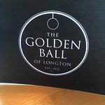 Foto de Golden Ball of Longton