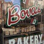 ภาพถ่ายของ Bova's Bakery