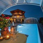 Outdoor Pool mit gigantischer Panorama Aussicht