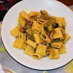 Mezze maniche con zucchine, asparagi e pancetta... buoni anche queste.
