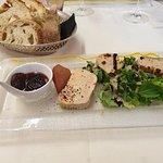 Foie gras de canard maison aux saveurs d'agrumes. Un délice.