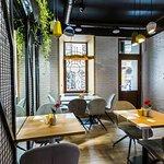 Blum Cafe Room resmi
