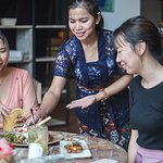 Dine with a great Balinese home-cooking dishes at Base Base Samasta. Let us serves you with a smile! ✨💕🥰 . #basebase #basebasesamasta #samastajimbaran #balinesefood #samastabali ----- Bali eat