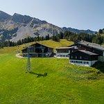 Das Berghotel / Erlebnis-Restaurant Rossweid im Sommer - Anreise mit der Gondelbahn Rossweid