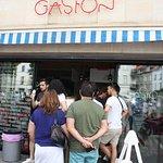 ภาพถ่ายของ Gaston
