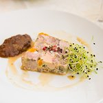 Pressé de jarret de cochon au foie gras - Chutney abricot