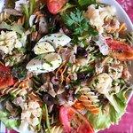 Bacalhau com Salada de Folhas Verdes