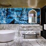 Fantastic Suite - Bathroom