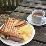 Foto van Caen Hill Cafe