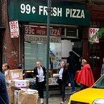 ภาพถ่ายของ 99 Cent Fresh Pizza