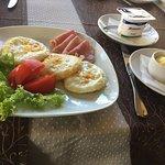 "Ресторан ""Лейбова Гора"". Завтрак"