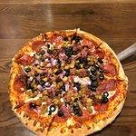 صورة فوتوغرافية لـ Hideaway Pizza