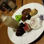 صورة فوتوغرافية لـ Lake View Cafe