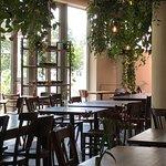 Photo de The Artisan - Kitchen and Urban Garden