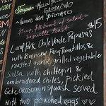 ภาพถ่ายของ 5 Points Market and Restaurant