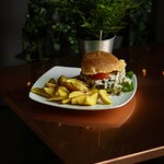 Per i nostri hamburger scegliamo le migliori carni della zona e le accostiamo a contorni altrettanto saporiti.