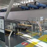 사진에 대해 좀 더 자세하게 알려주세요.Observation Deck, Fukuoka Airport International Terminal