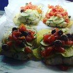 Filetto di orata con zucchine e pomodorini