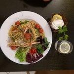 Spaghetti con scampi e asparagi
