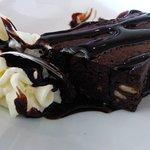 Brownie en dessert... mais je vous conseille le tiramisu qui est très léger et d'après la patronne du restaurant, serait végétarien...