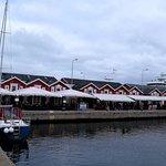 """""""Wittco"""" længst til højre lige midt i havne og fiskermiljøet"""
