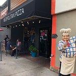 ภาพถ่ายของ Bambino's Urban Pizzeria