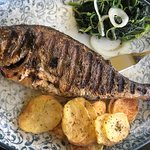 bream fish platter with potato chips