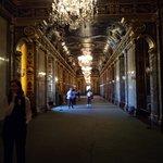 Один из главных бальных залов.