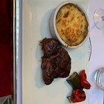 Un filetto con patate e peperoni