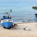 Smażalnia ryb U Babci - widok z przystani rybackiej