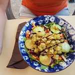 Salade avec ravioles