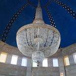 Il lampadario della stanza del sarcofago