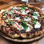 BBQ Jackfruit pizza with the most delicious crust & oozy homemade cheese!