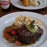 Foto van Blue Explorers Bar & Grill