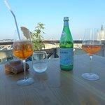 Foto de Cheese & Wine Rooftop Restaurant
