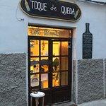 Foto van Toque De Queda