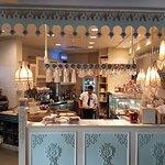 صورة فوتوغرافية لـ Shakespeare and Co. Al Hamra Mall