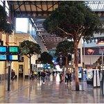 Marseille Saint-Charles Tren Garı'nın içinden.