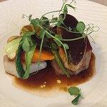 Rossini de veau de lait foie gras poêlé  et petits légumes