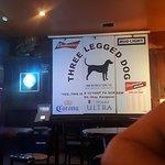 ภาพถ่ายของ Three Legged Dog Tavern