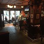 Valokuva: Irish Embassy Pub, Downtown