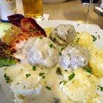 Meatballs with mashed potato