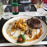 Photo de Bounty Steakhouse & Restaurant